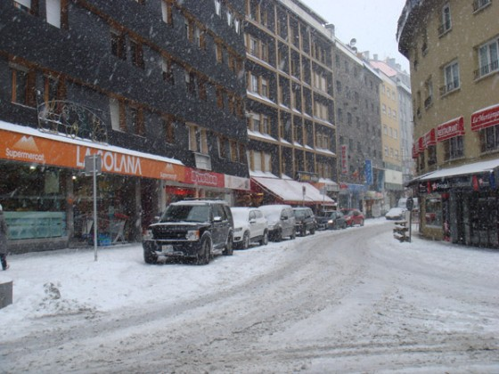 Snow in the town - 17/12/11