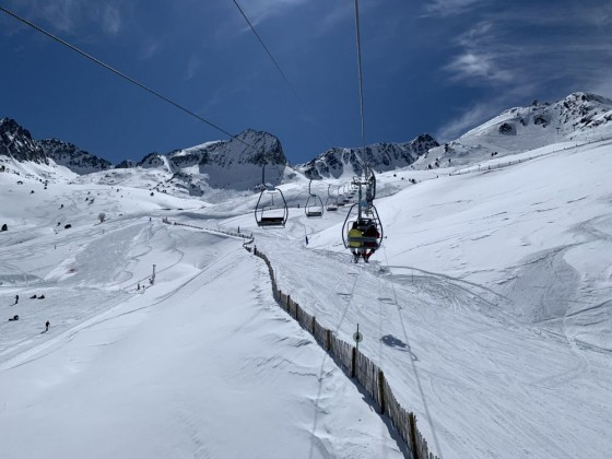 Coll dels Isards two-man chairlift
