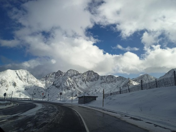 Snow tyres were mandatory as the road to Pas de la Casa was icy today