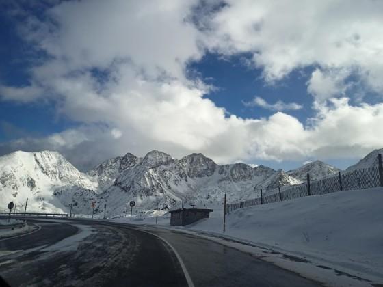 Snow tyres were mandatory as the road to Pas de la Casa was icy today