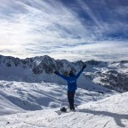 Welcoming winter with open arms at the top of the TSD4 Pas de la Casa chairlift
