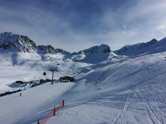 Pas de la Casa Gondola to the Ski School