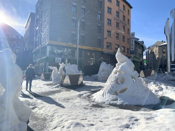 Snow sculptures in Pas de la Casa town