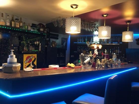 Restaurant Roma becomes a bar at night