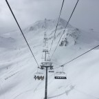 Font Negre chairlift on a very white day.
