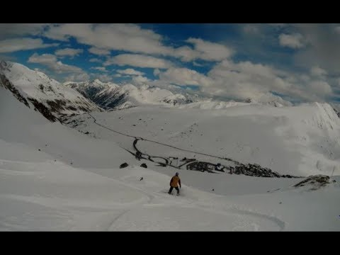 """Hiking to Heaven"" - Freeride in Pas de la Casa"